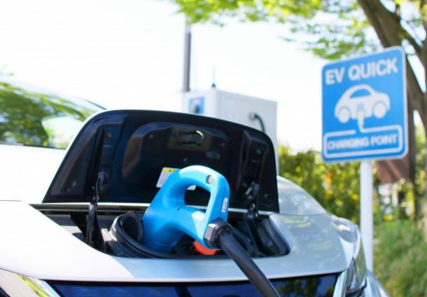 電気自動車を蓄電池として利用。家庭用蓄電池との違いは?